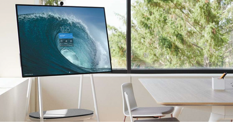 Teamwork without boundaries: Microsoft Surface Hub 2S